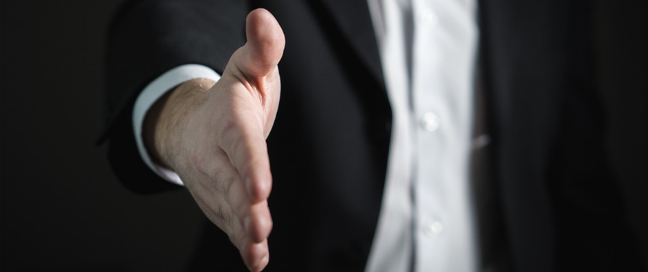 6 Ways to Avoid being a Pushy Salesperson